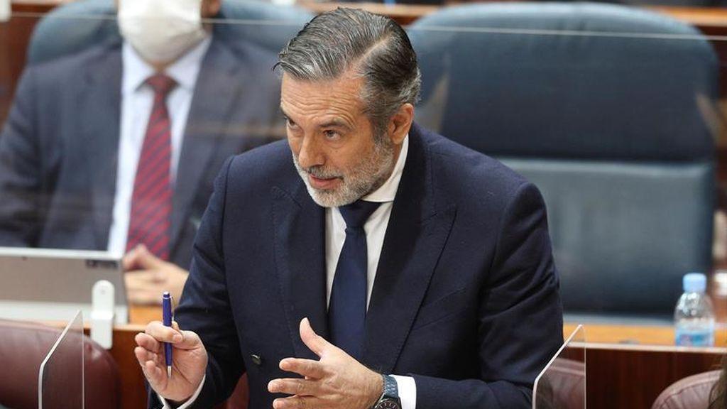 """Enrique López """"ni siquiera se plantea dimitir"""" tras poner en contacto al entorno de Bárcenas con el abogado del PP"""