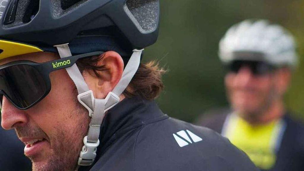 Fernando Alonso, atropellado por un coche mientras entrenaba en Suiza: está bien, aunque ha sufrido fracturas