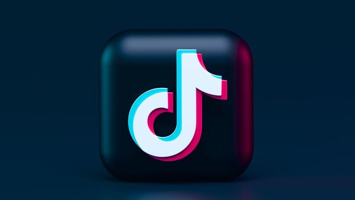 Con la galería de tu móvil nunca se te acabará el contenido para TikTok. Cómo subir videos grabados con anterioridad a la app