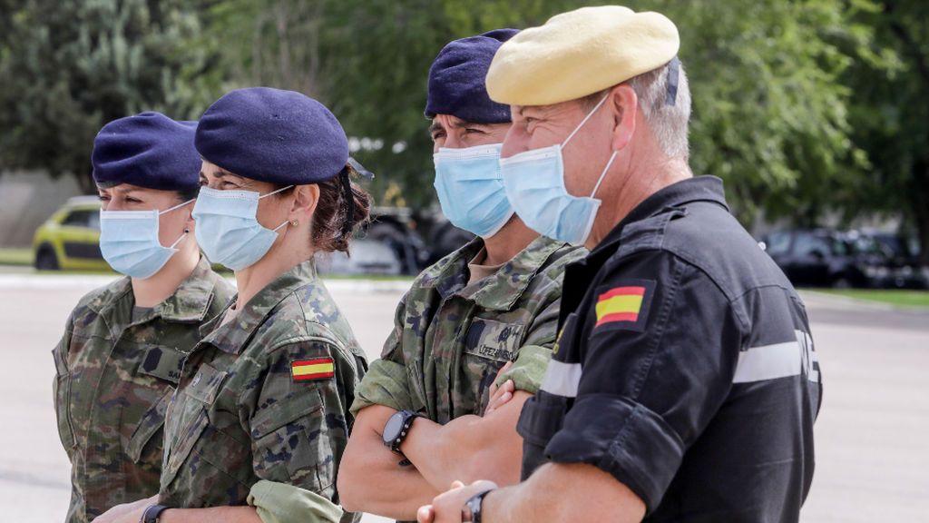 La UME administra las primeras dosis de AstraZeneca entre su personal militar de Torrejón, Morón y Bétera
