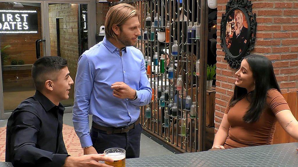El lapsus de Matías en su debut como metre del amor en 'First Dates'