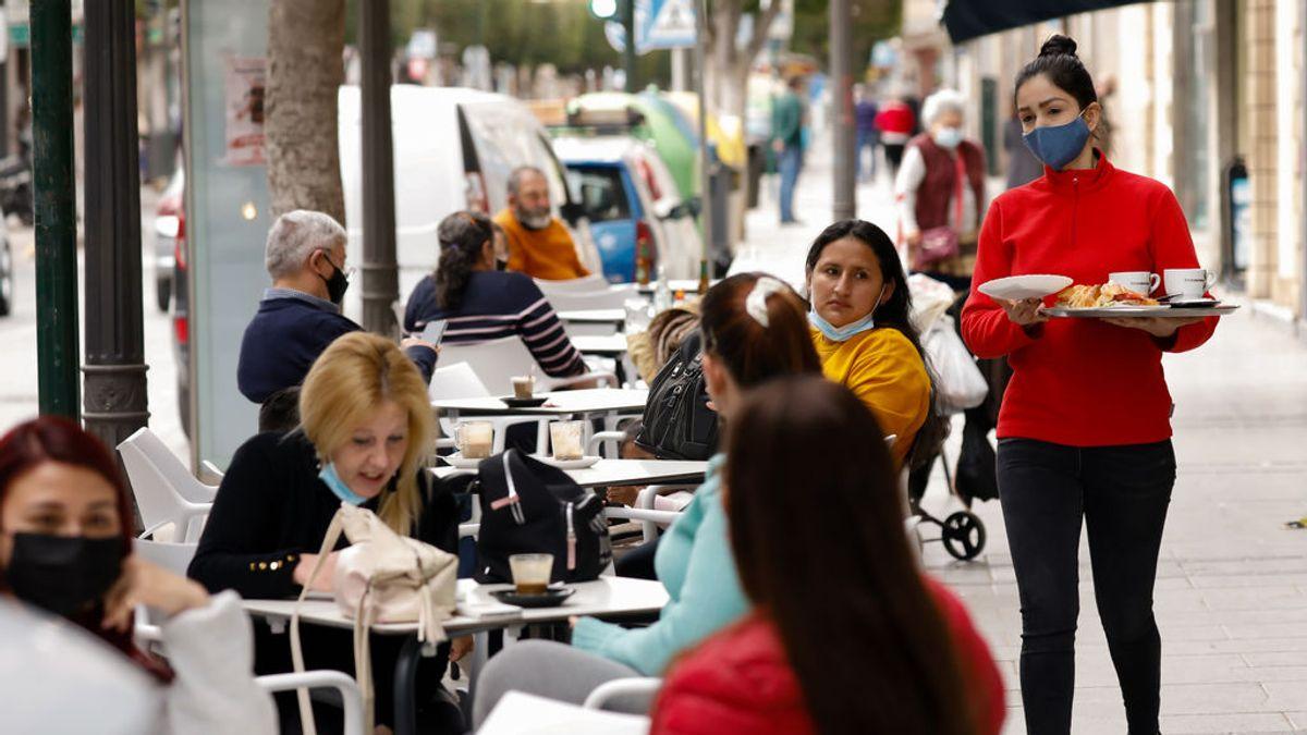 Los epidemiólogos creen que en ocho comunidades están desescalando demasiado rápido