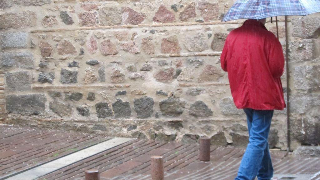 El tiempo frío y las lluvias débiles predominarán durante la jornada electoral en Cataluña