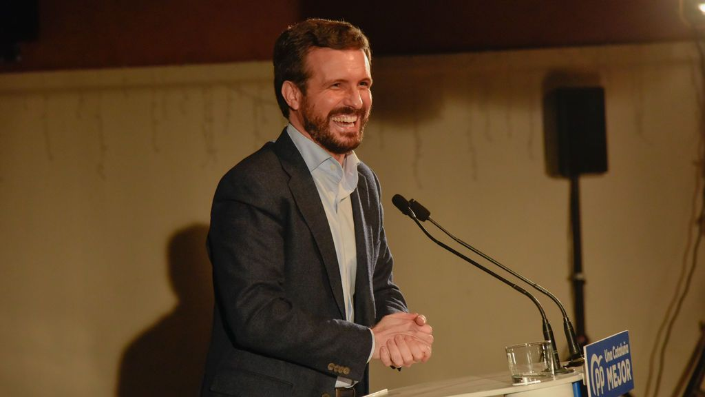 Casado se defiende de la 'amenaza' de Vox equiparando su postura sobre Europa con la de Puigdemont