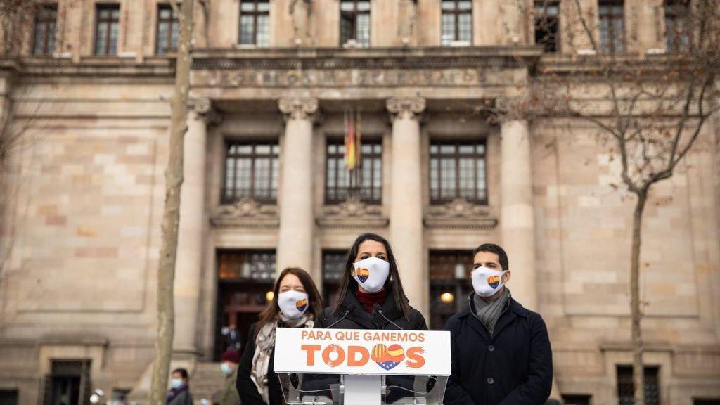 """Inés Arrimadas vota por correo en las elecciones catalanas del 14-F: """"CITA"""""""