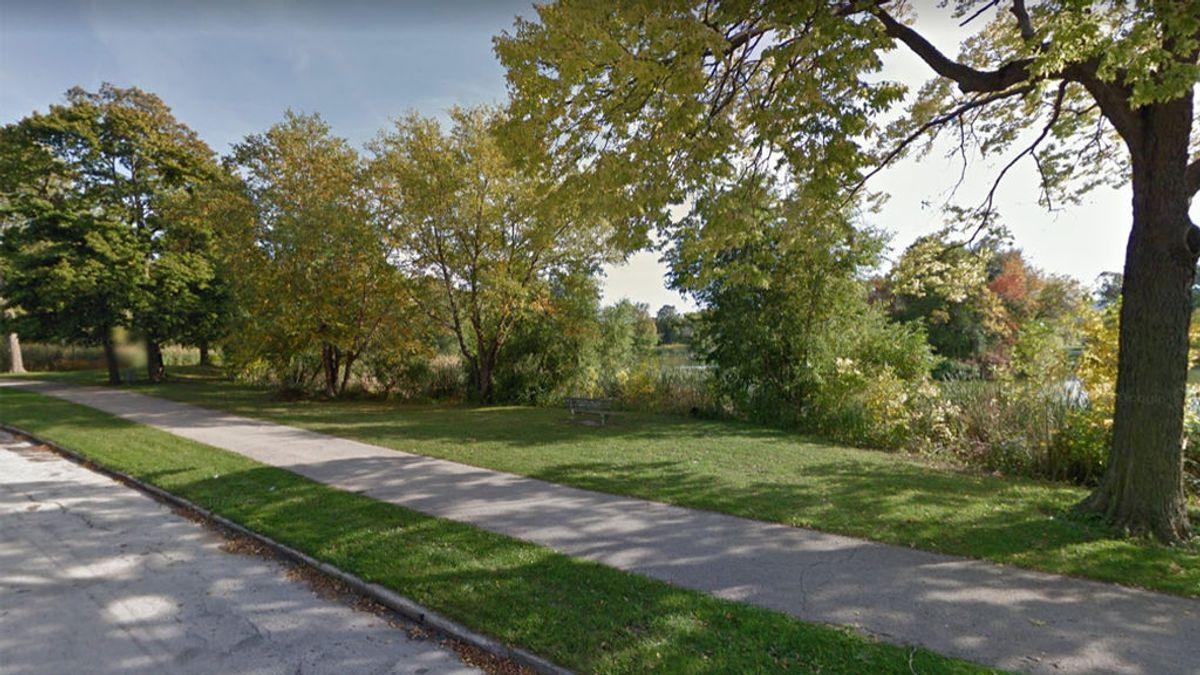 Violan y matan a golpes a una mujer en un parque y lo graban en vídeo: dos menores, acusados del crimen