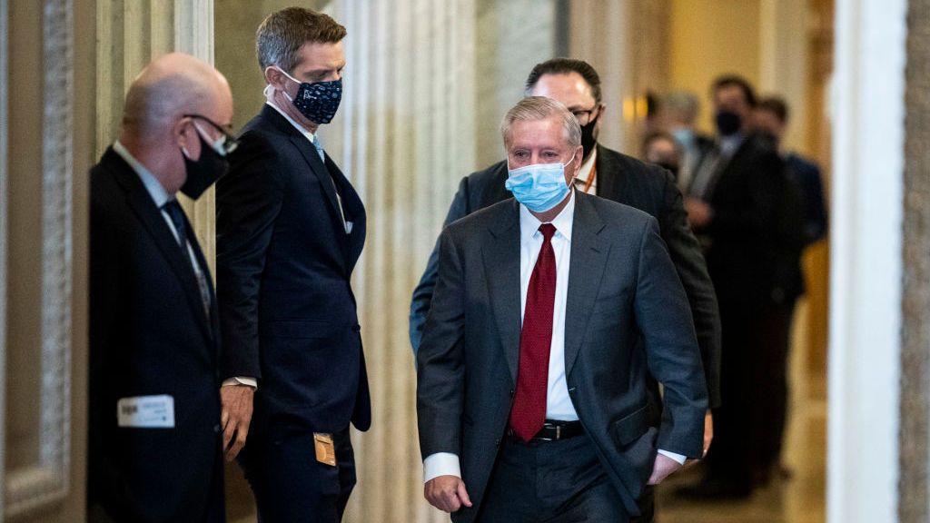 El Senado de EEUU aprueba la declaración de testigos en el juicio contra Trump