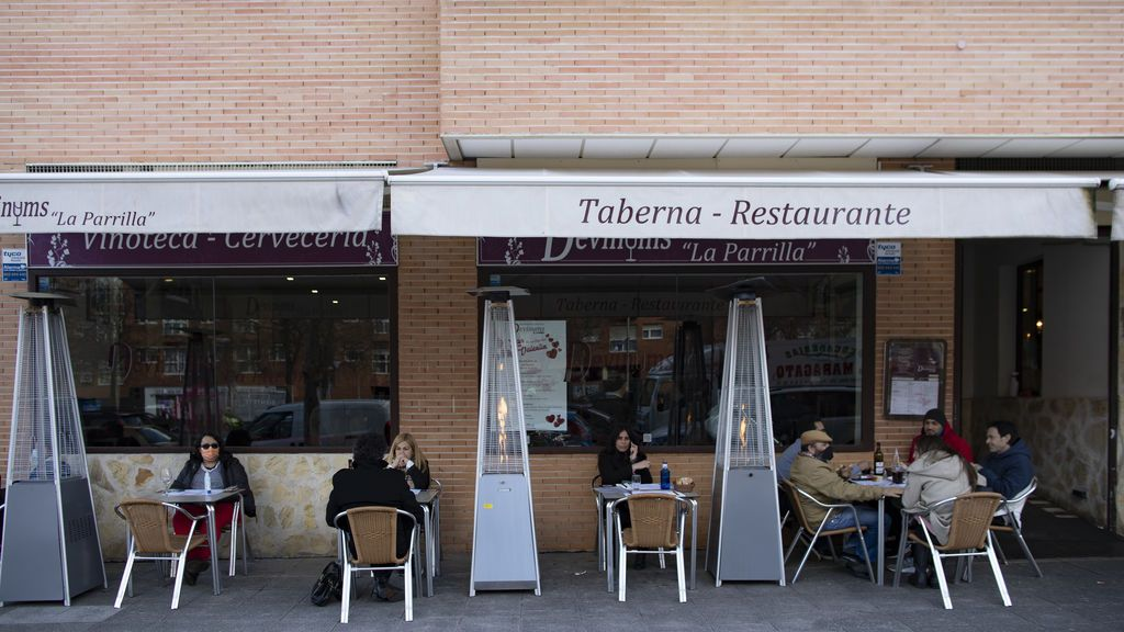 Madrid prorroga la prohibición de reunirse con no convivientes en el domicilio hasta el 1 de marzo