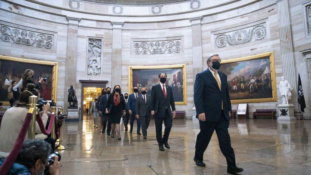 Insultos y amenazas contra senadores republicanos que votaron a favor del juicio político de Trump: el viaje a una reelección incierta