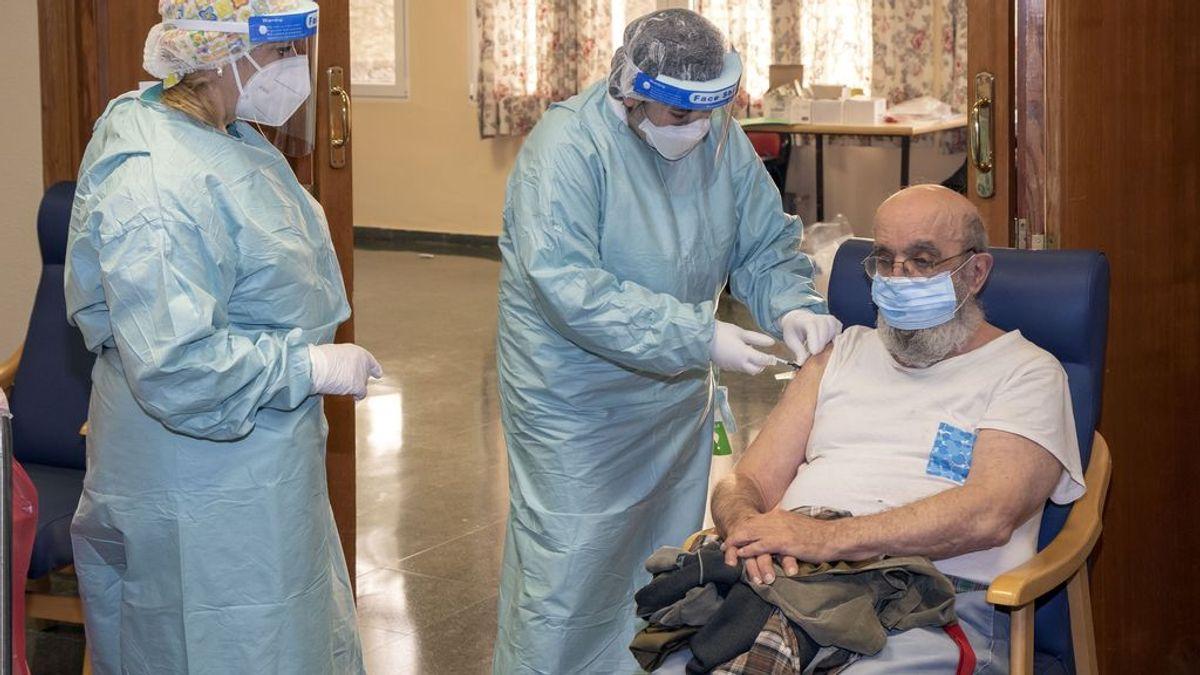 """Cantabria termina la vacunación en residencias, que empiezan la vuelta a la """"vida normal"""""""