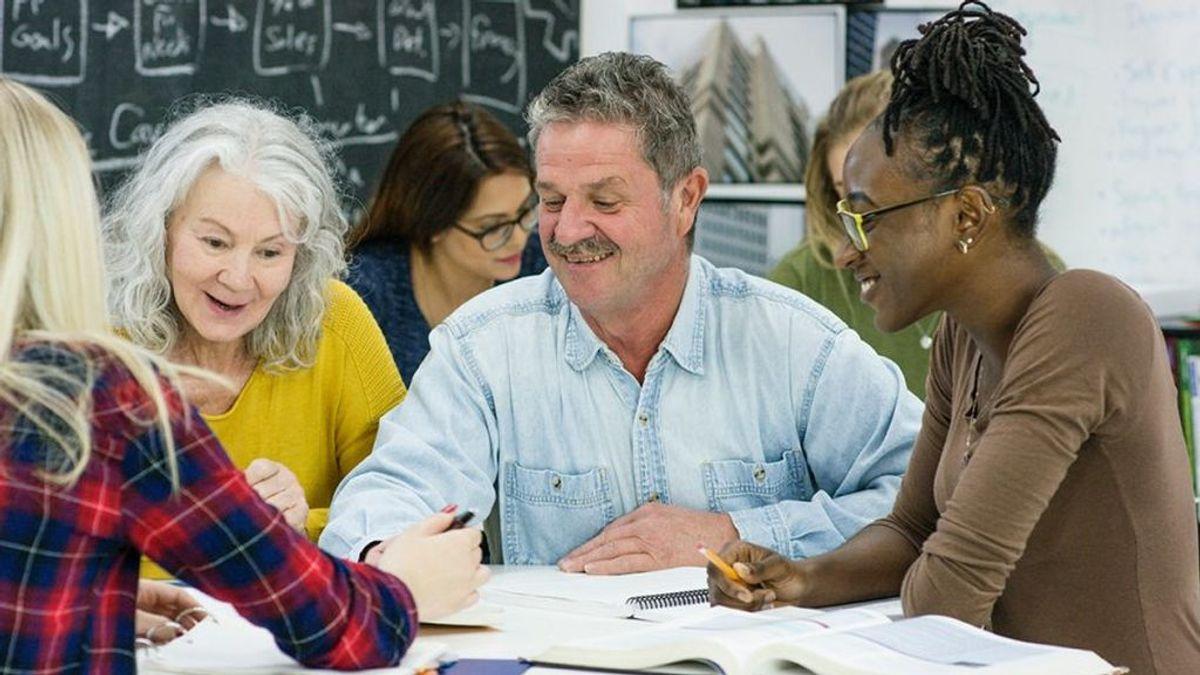 Las personas de entre 40 y 50 años son más inteligentes que los millennials en tres áreas clave