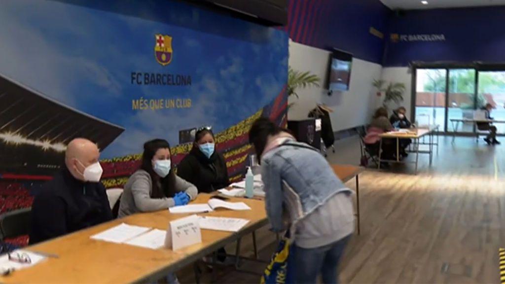 Jornada electoral histórica en Cataluña: lo mejor, ser del Barcelona y presidente de mesa en el Camp Nou