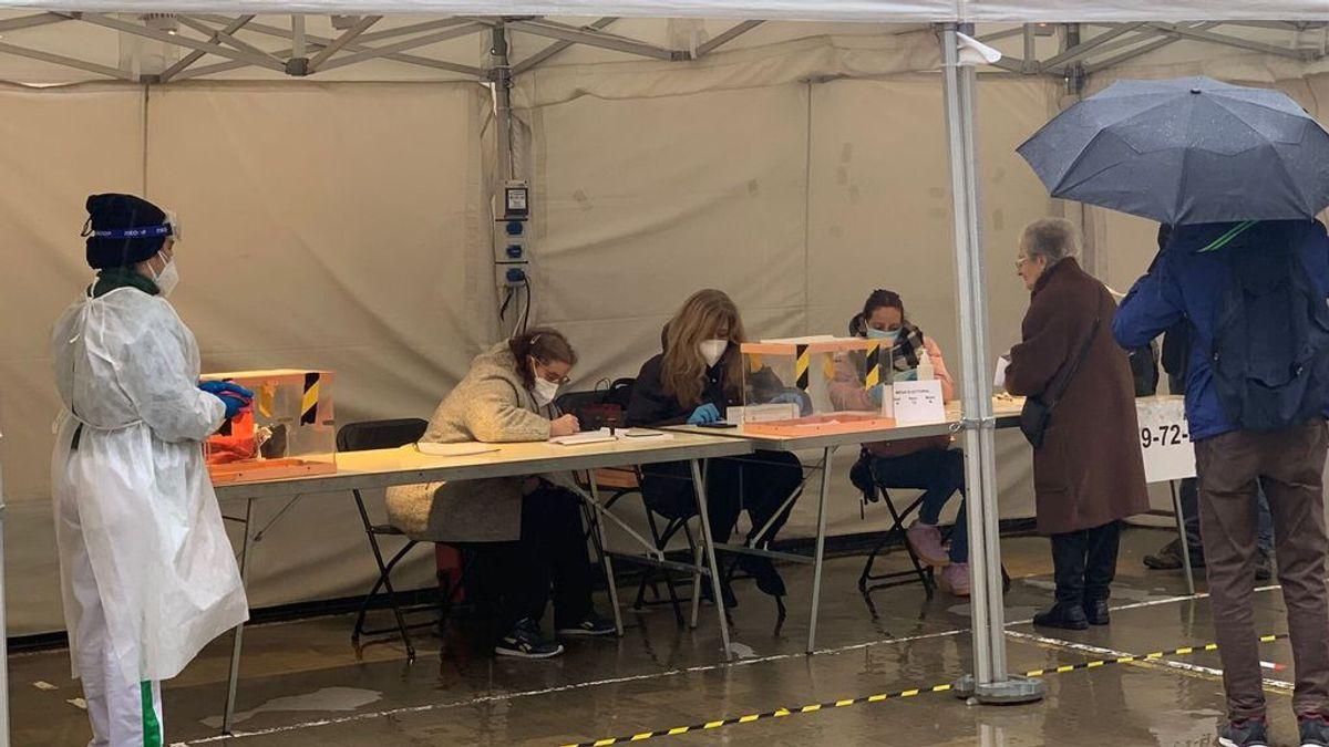 Limpieza de mesas de votación