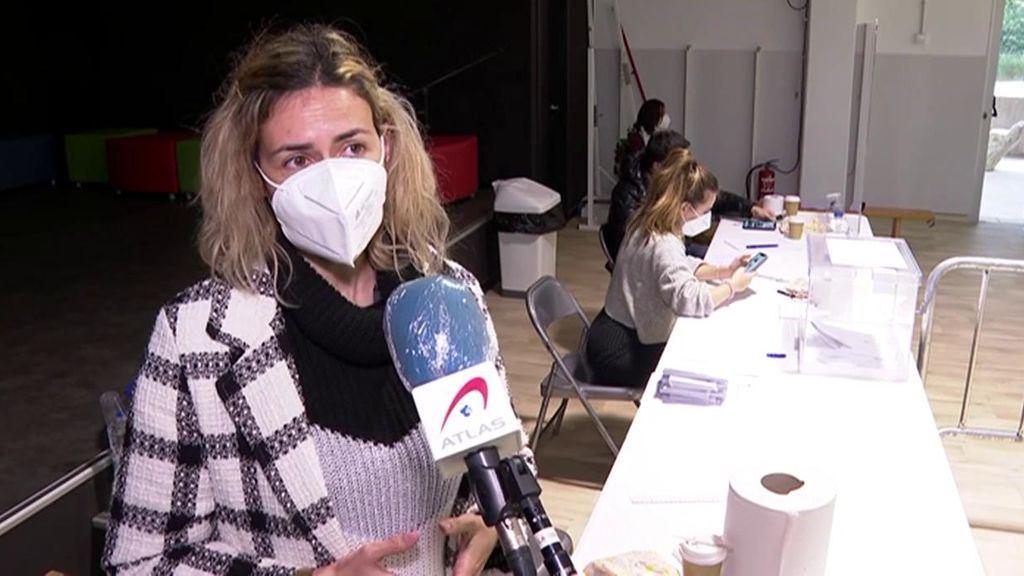 """Alba, miembro de una mesa electoral en Cataluña, con los nervios a flor de piel: """"Tengo miedo"""""""