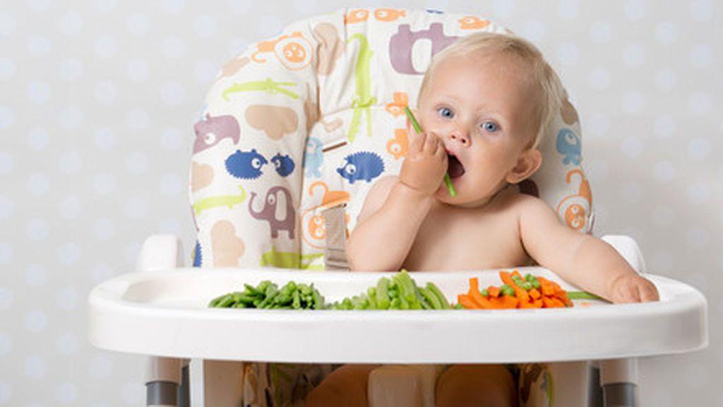 Cómo preparar la comida para el BLW de tu bebé: la importancia de cocinar y cortar bien cada alimento.