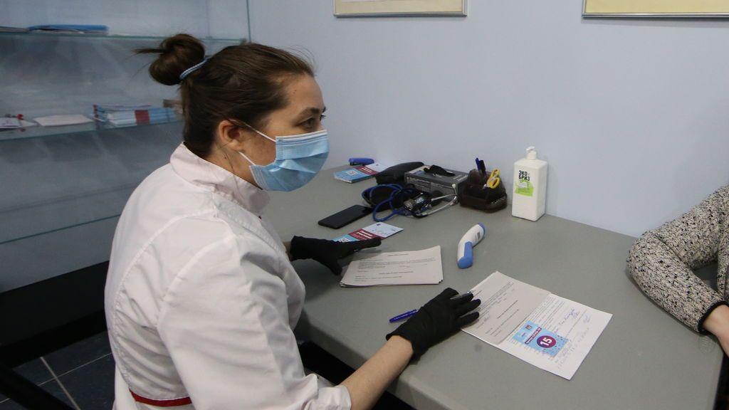 Rusia registra la primera prueba para detectar la cepa británica del coronavirus
