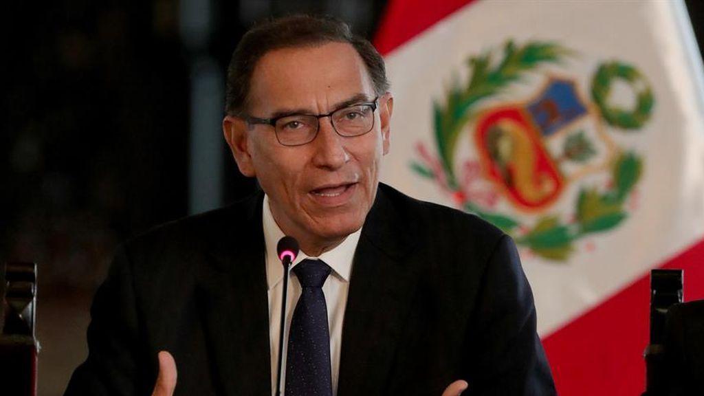 El escándalo de las vacunaciones secretas a altos funcionarios en Perú