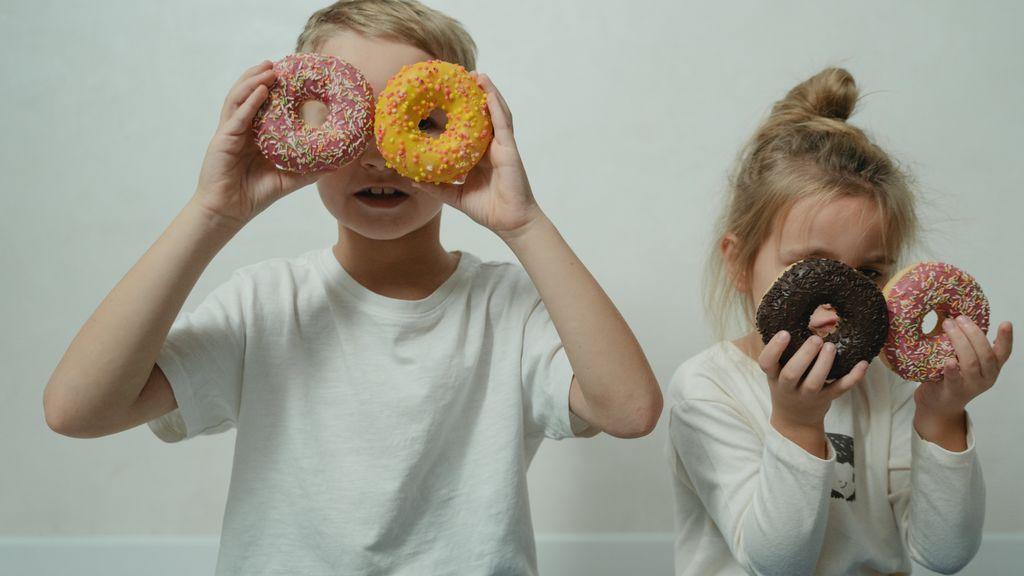 Se está incitando a los niños a tomar productos poco saludables, y esto podría afectar a su salud