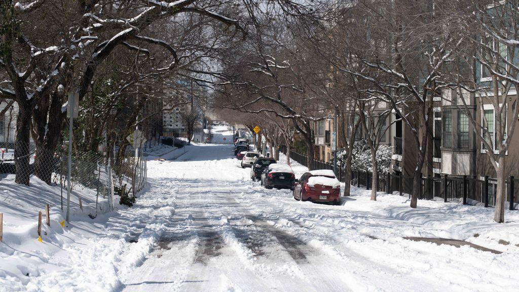 El temporal invernal 'Uri' mantiene en alerta a EEUU y llega con nieve a México