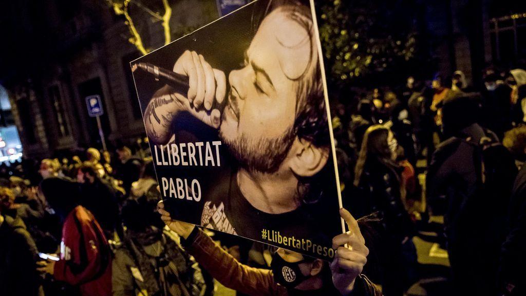 Kiko Veneno y otros representantes de la cultura reaccionan ante la detención en Lleida de Pablo Hasél