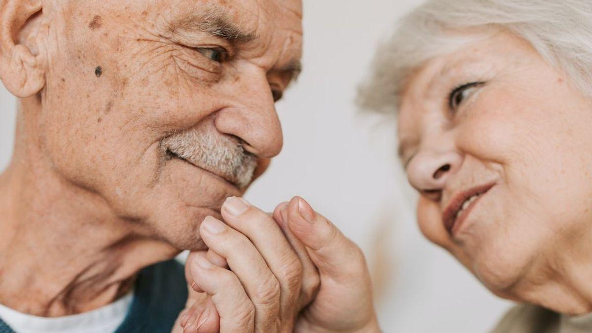 Una lentejas, jamón serrano y un flor: cómo sorprender a tu pareja tras 58 años de matrimonio