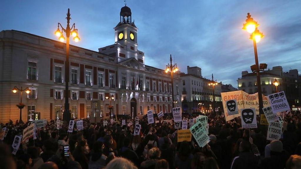 Cargas contra asistentes a la concentración en Madrid en apoyo a Pablo Hasel