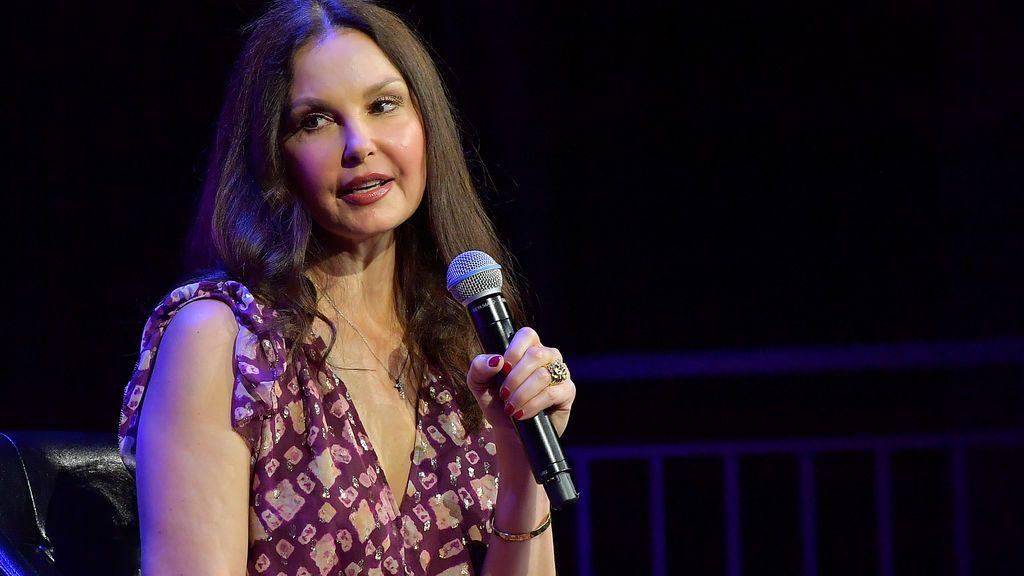 """55 horas de travesía por la selva del Congo con la pierna rota: Ashley Judd comparte su """"agónica odisea"""""""