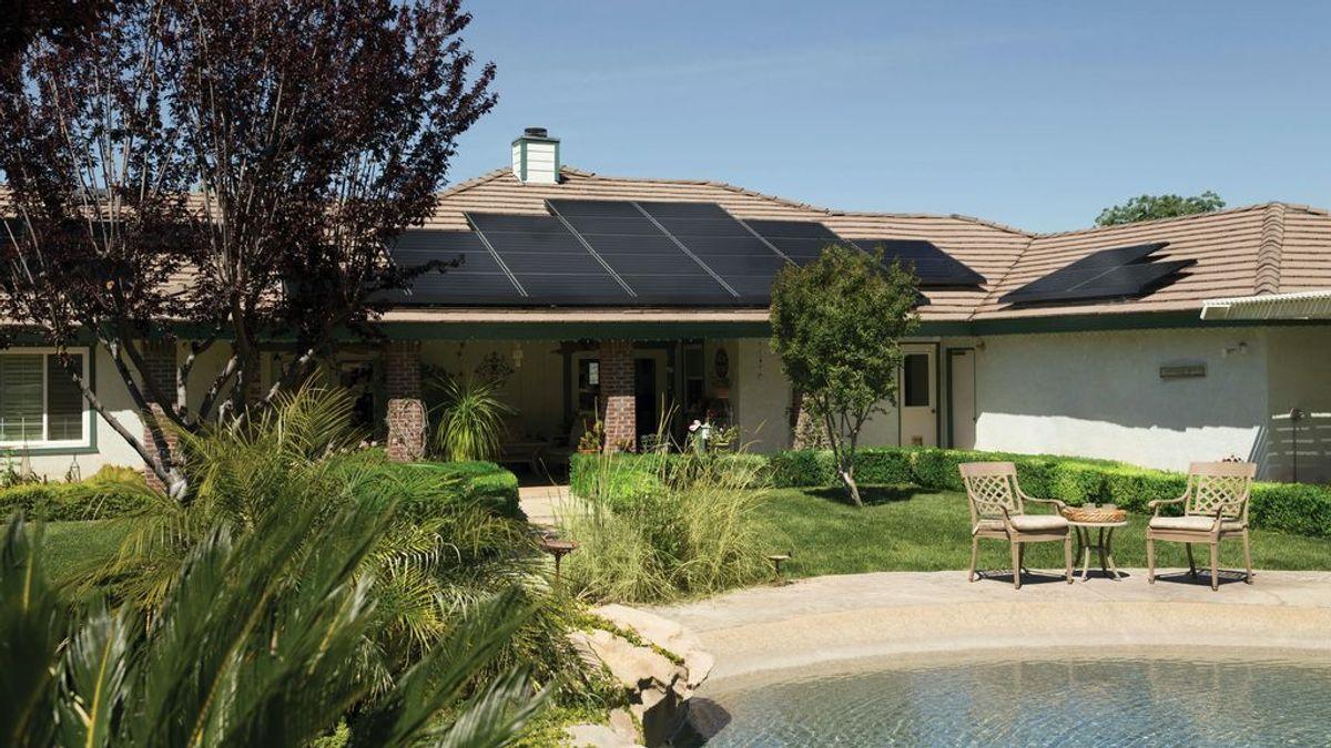 ¿Cómo poner placas solares en casa?