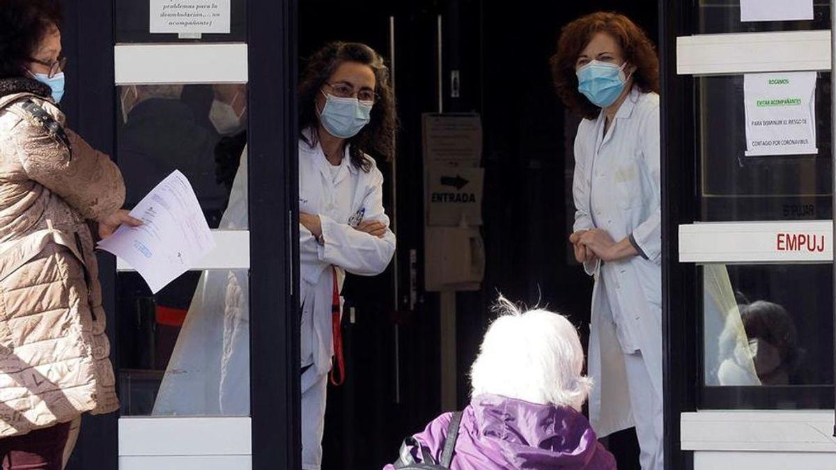 Los médicos  de familia avisan: no hay suficiente personal en Atención Primaria para poner las vacunas