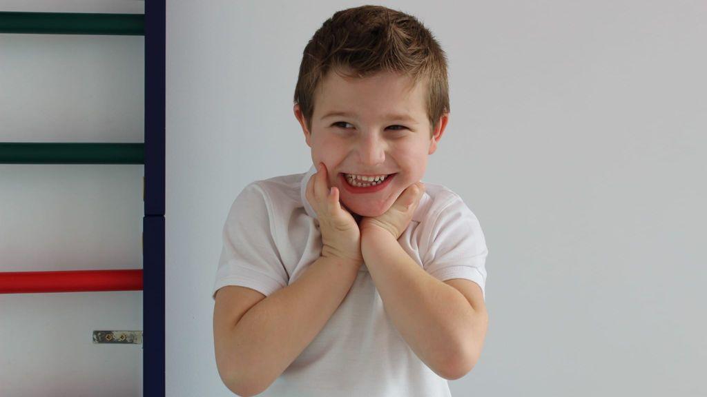 Martín tiene cinco años y hace cuatro que le diagnosticaron el Síndrome de Angelman