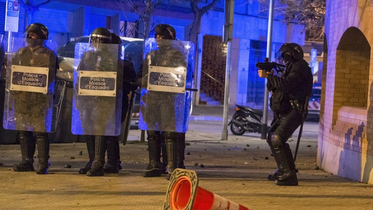 Los Mossos investigan si la manifestante que perdió un ojo en los altercados fue a causa de una bala de foam