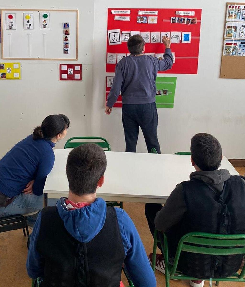 Alumnos de Mare de Déu de Montserrat de Caldes de Malavella en clase