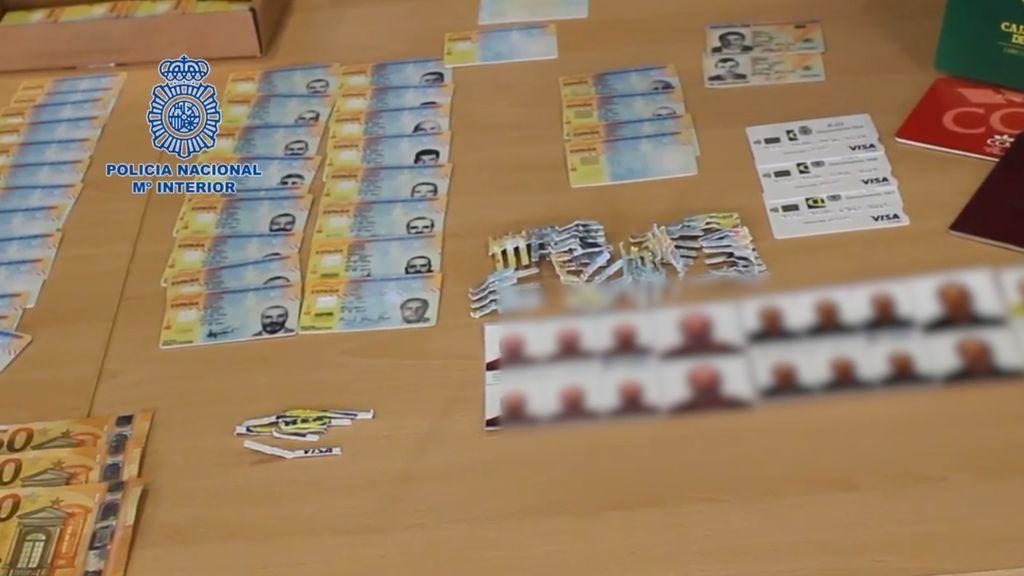 Cazado un experto falsificador de Granada: 44 identidades falsas y un millón de euros defraudados