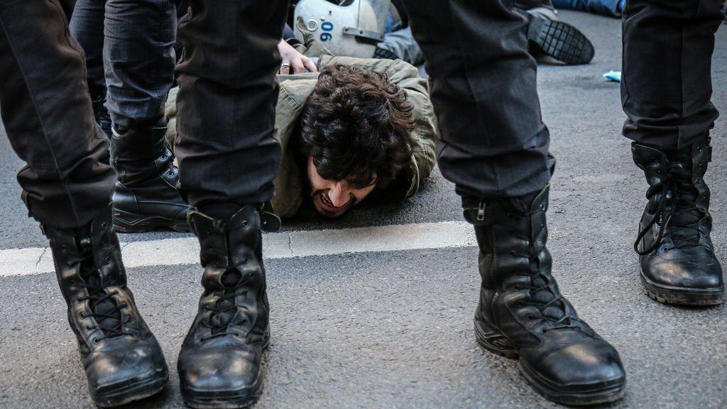 """HRW urge a Turquía a """"respetar la libertad de reunión"""" y liberar a los estudiantes detenidos durante protestas"""