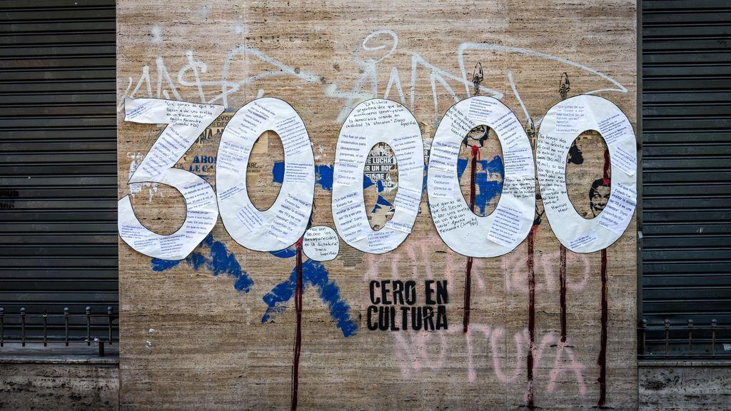 La justicia argentina condena a ocho represores por más de 800 crímenes durante la dictadura
