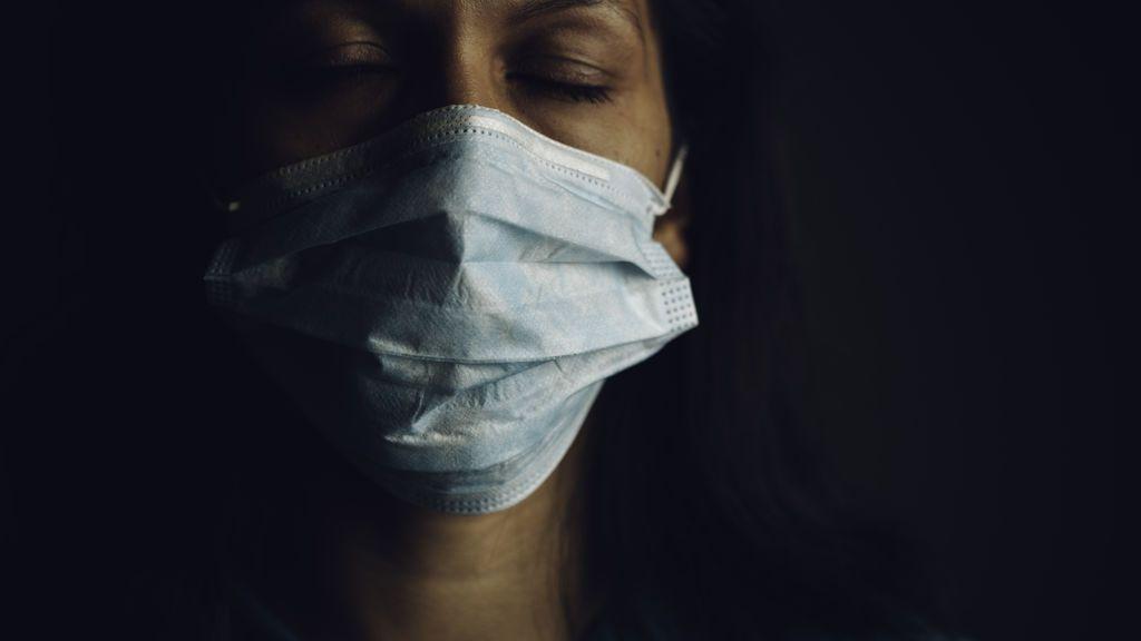 Las ojeras: cómo combatirlas y por qué se han acentuado con la pandemia y las mascarillas