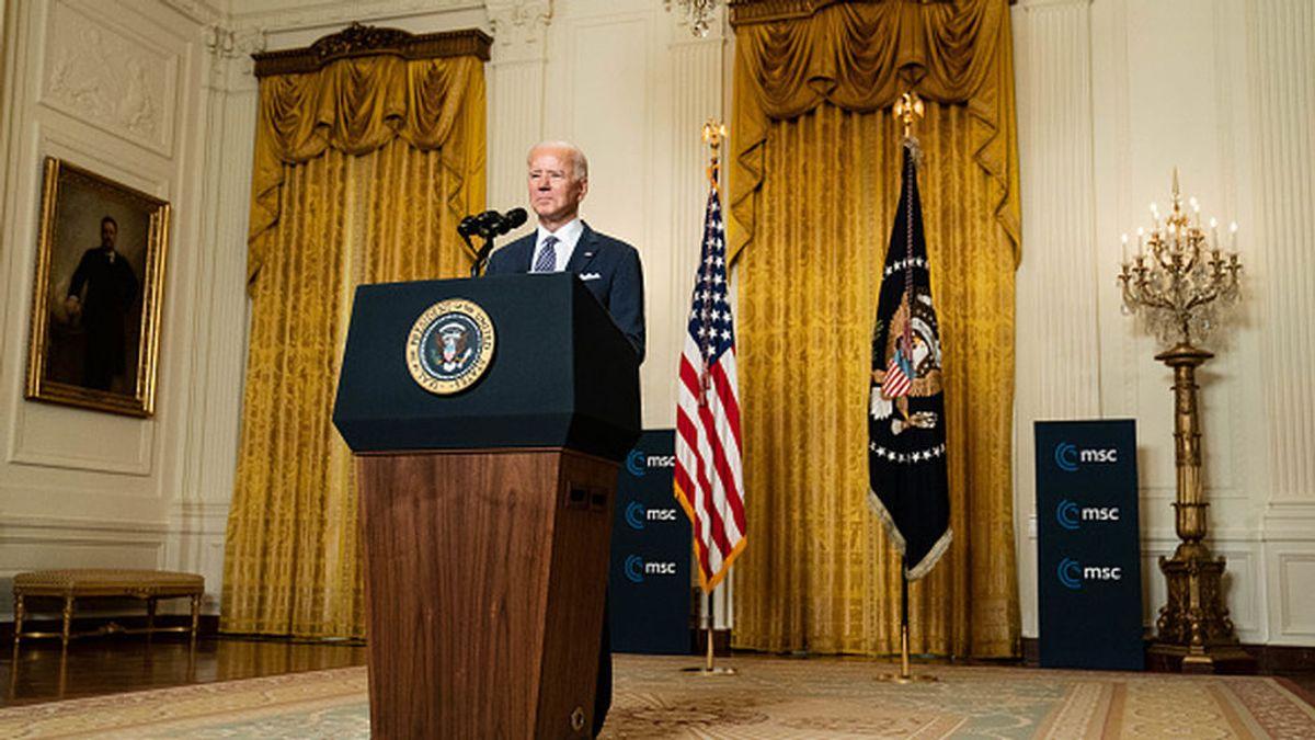 """Biden promete 4.000 millones de dólares para vacunas en todo el mundo y le dice a Europa: """"Estados Unidos ha vuelto"""""""