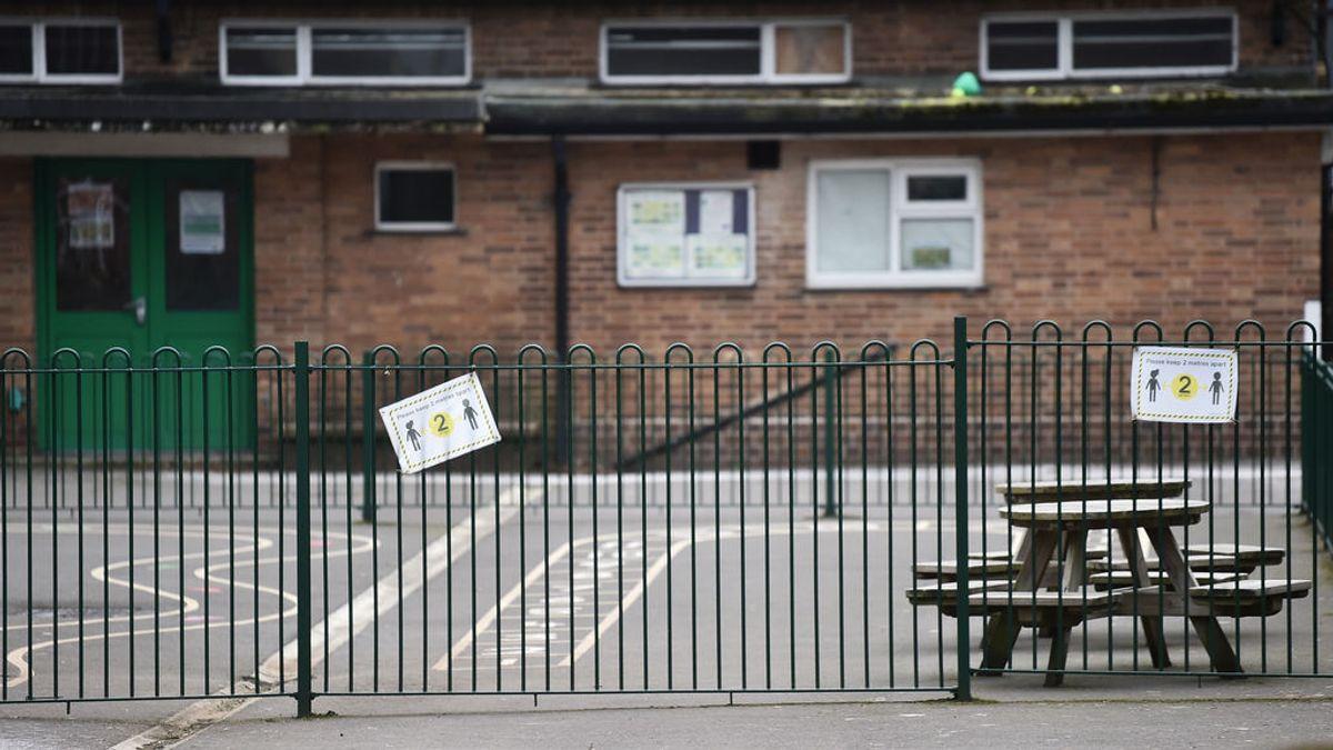 Miles de niños de educación especial no pueden volver al cole en Reino Unido
