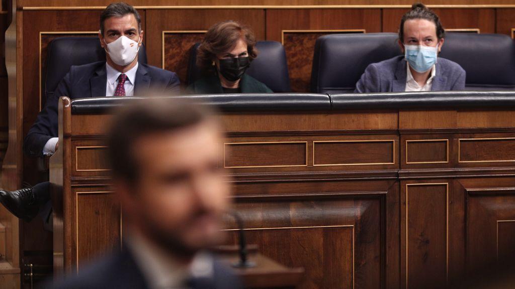 """Casado advierte a Sánchez que será """"corresponsable"""" de la violencia callejera """"si no para el pie"""" a Iglesias"""