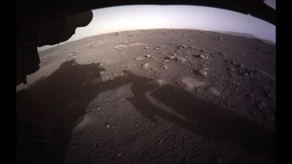 El' Perseverance' envía sus primeras imágenes en color de la superficie de Marte