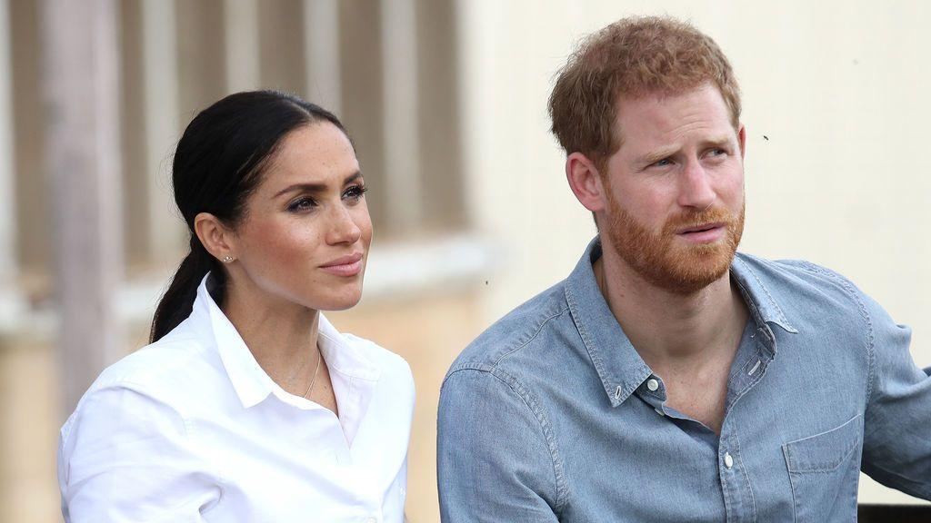 El príncipe Harry y su esposa Meghan Markle perderán todos los títulos reales