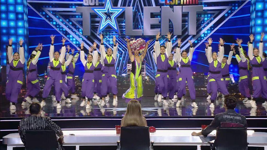 El tremendo (y numeroso) show de baile de Staying Ultimate Family