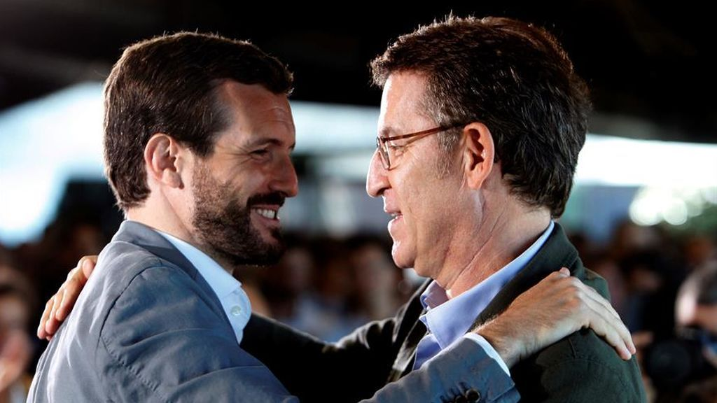 """Feijóo endurece sus críticas a Casado y Génova responde que es el momento de una """"nueva generación"""" de líderes"""