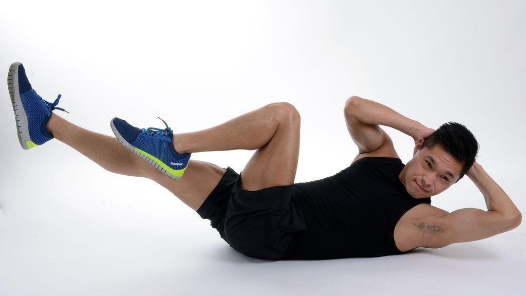 ¿Cómo hacer abdominales en casa correctamente?