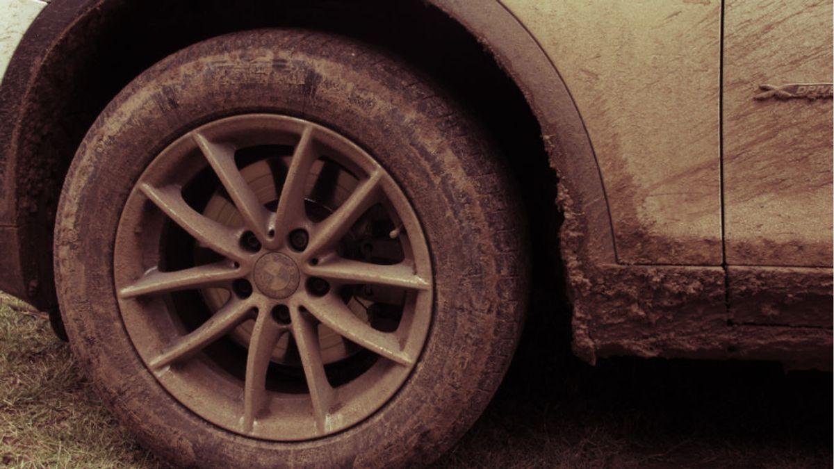 Lluvia de barro para los próximos días: cómo eliminarlo sin dañar la carrocería de tu coche