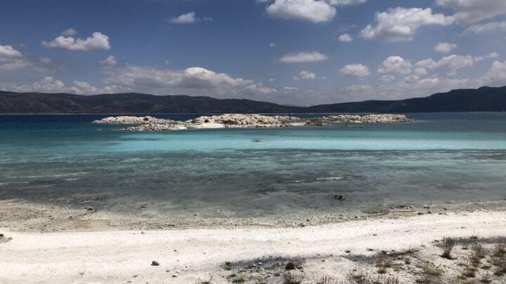 ¿En qué se parecen el lago Salda de Turquía y el cráter Jezero de Marte?