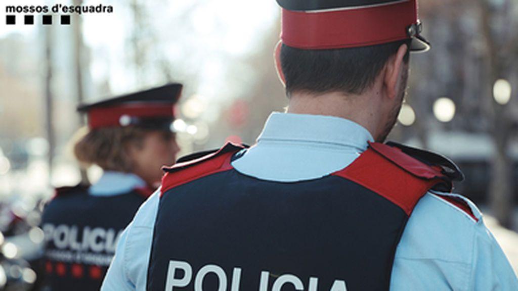 Detenido por golpear a una persona sin hogar con los puños y un palo en Barcelona