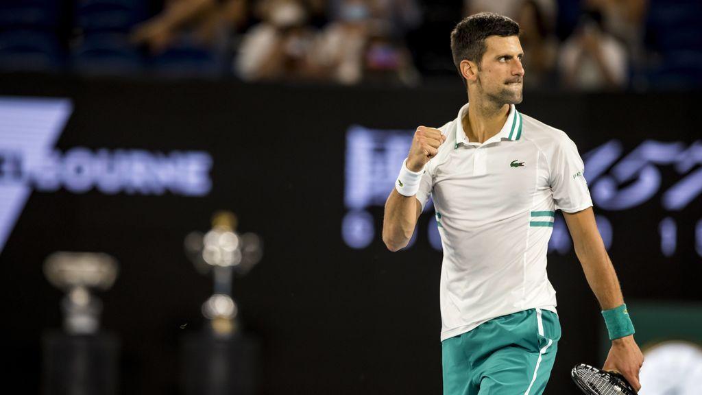 Djokovic se lleva en Open de Australia ante Medvedev y se queda a dos 'Grand Slam' de Federer y Nadal
