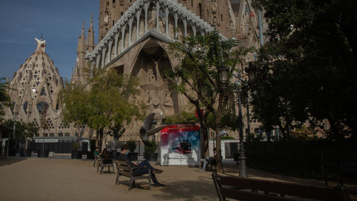 Desciende el número de positivos diarios y los pacientes críticos en Cataluña, pero aumentan las hospitalizaciones