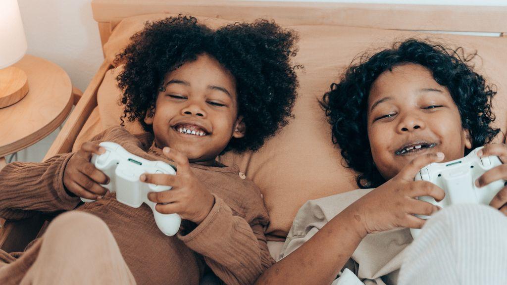 Los niños que juegan a videojuegos tienen menos riesgo de depresión, según un estudio